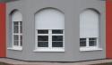 Předokenní rolety Opava, skrytá montáž schránky pro lamely pod omítkou